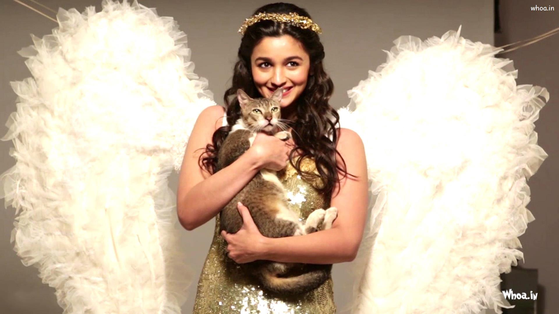 Alia Bhatt White Angel Dress With Cat Hd Wallpaper