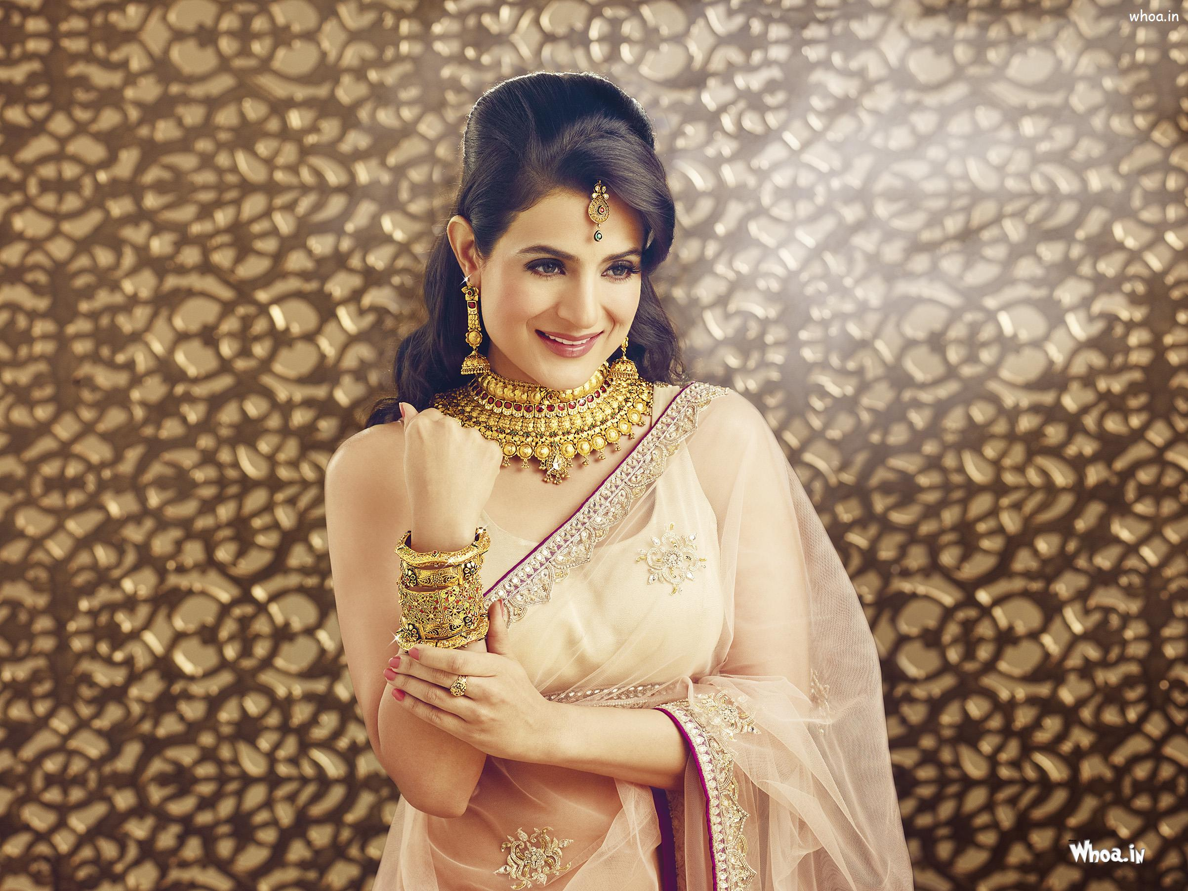 amisha patel for shuddhi jewellery wallpaper
