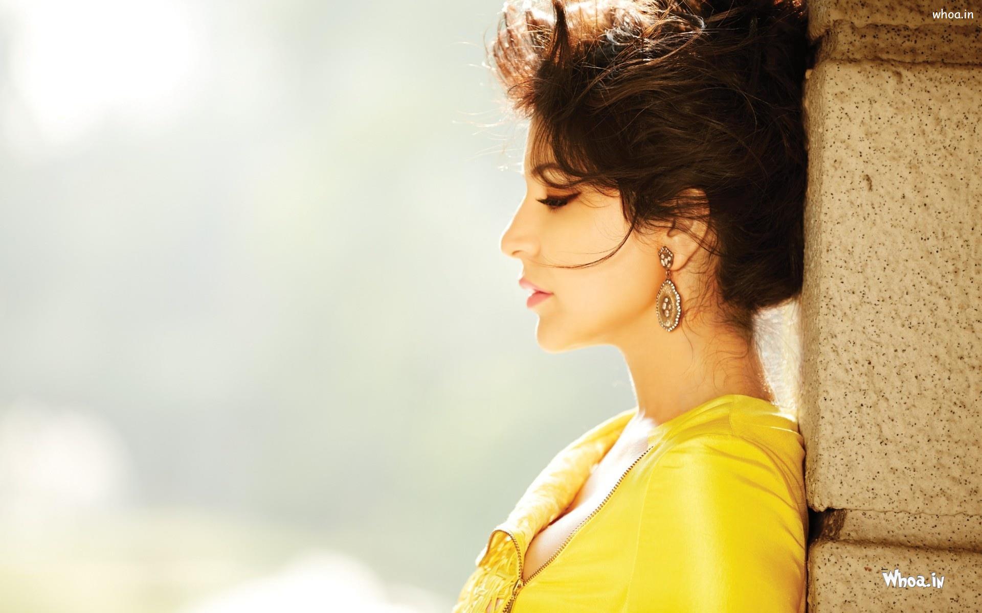 anushka sharma yellow dress filmfare magazine hd wallpaper
