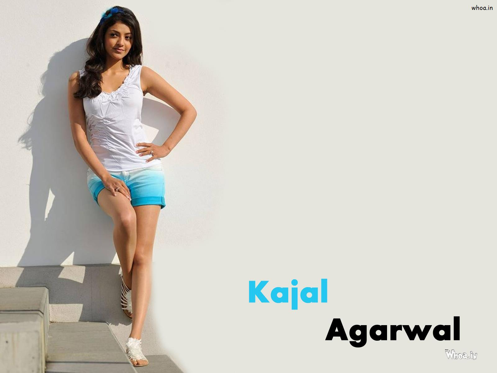 kajal agarwal hot in white top hd wallpaper
