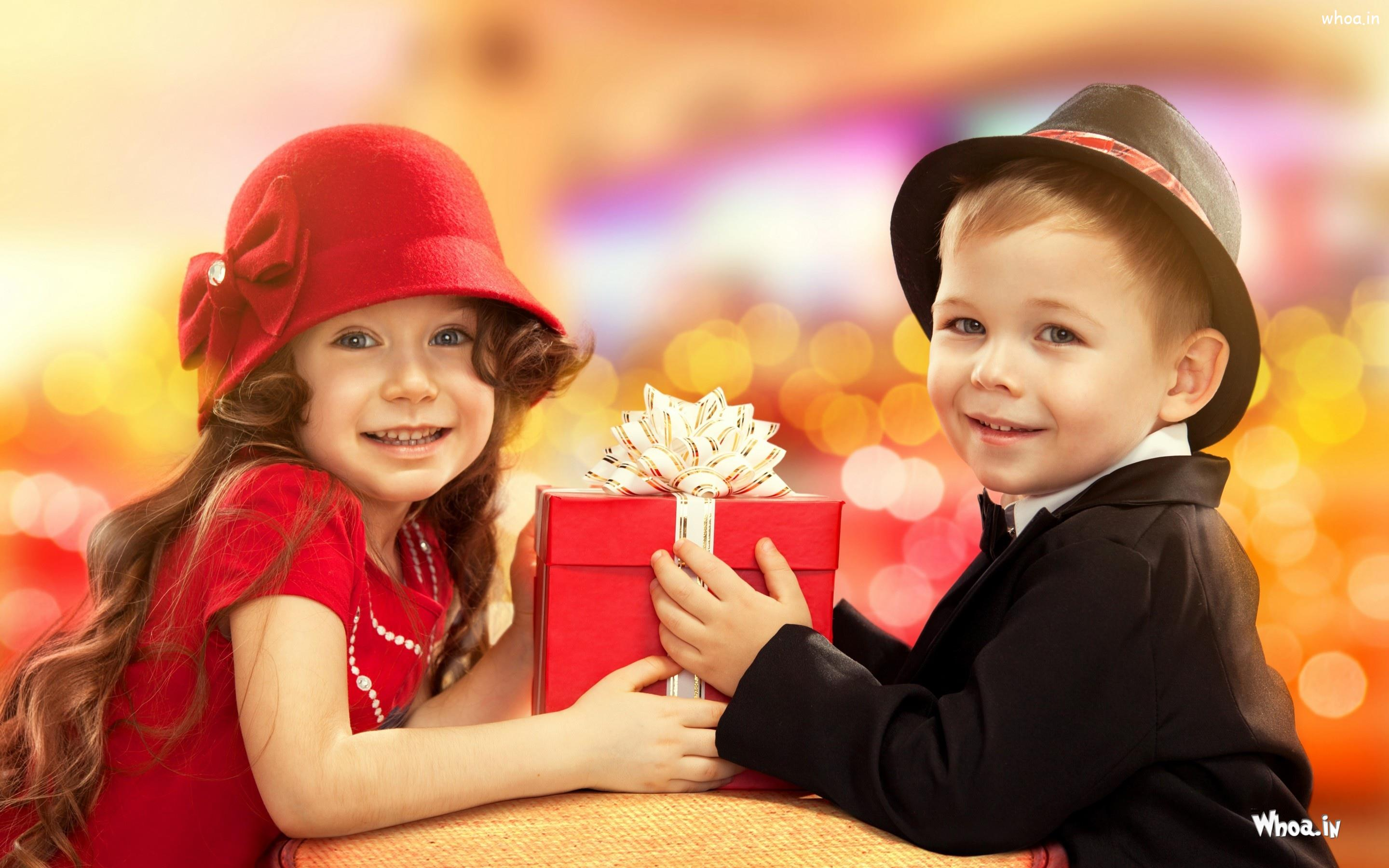 little boy gift to angle girl hd cute wallpaper