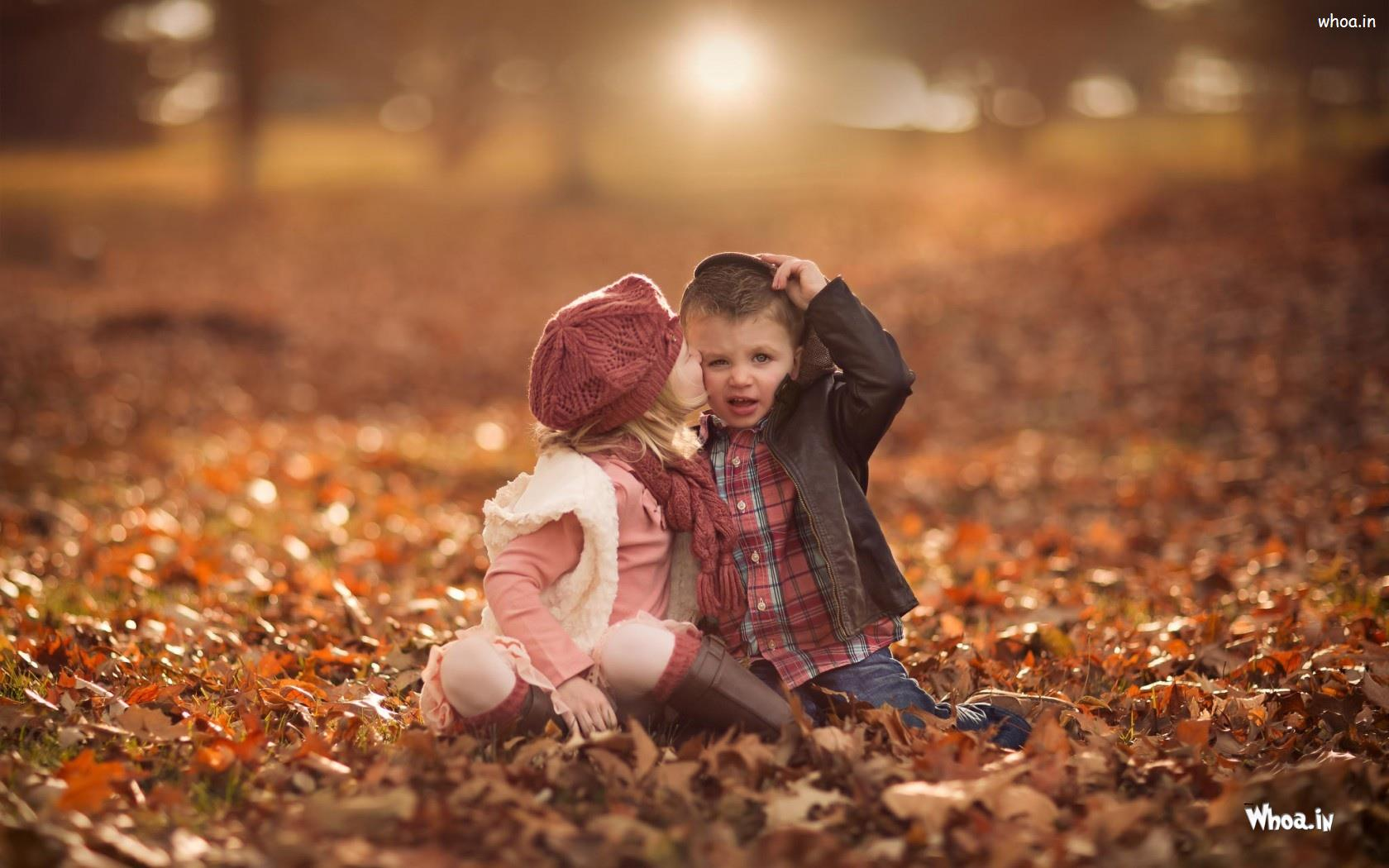 Little Cute Girl Kiss Boy Hd Love Wallpaper