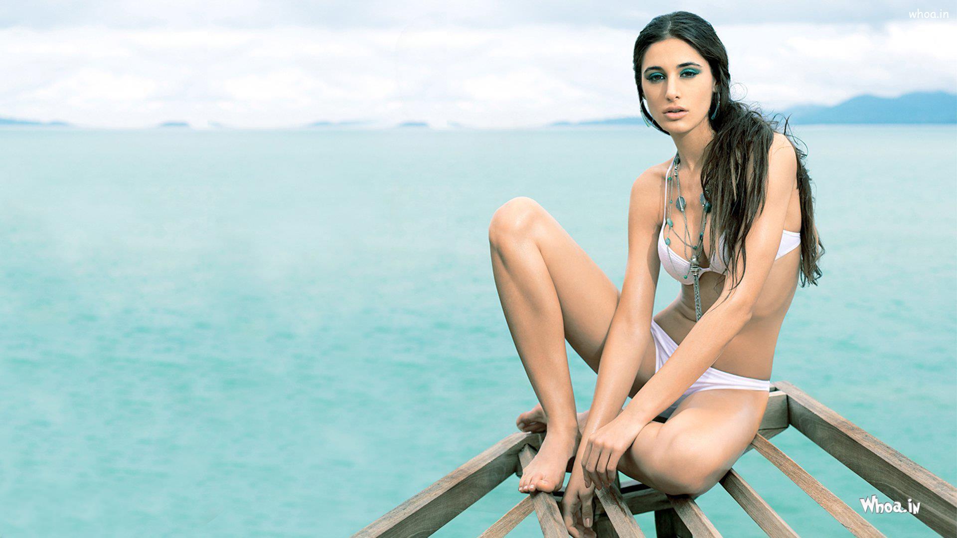 nargis fakhri hot bikini photoshoot