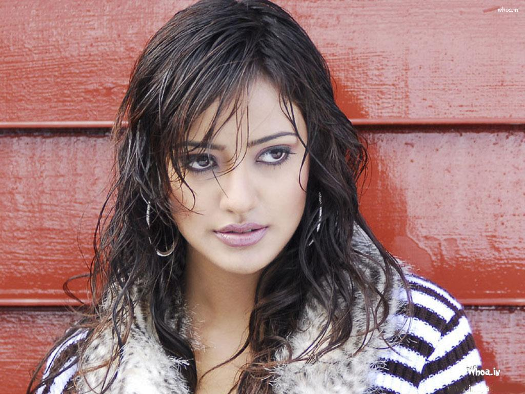 Neha Sharma Wet Close Up Hd Wallpapers